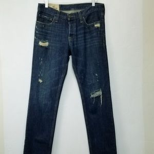 Hollister// Medium wash dstressd skinny jean 32x34